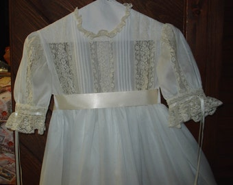 Heirloom dress size 10 white/ecru Pageant Flower Girl Wedding portrait Communion confirmation
