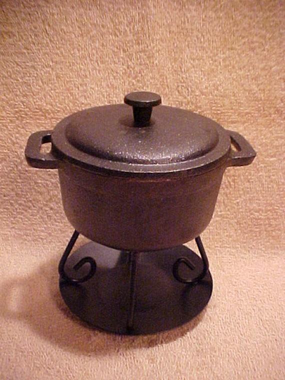 unique cast iron cauldron cooking pot tea light tart warmer. Black Bedroom Furniture Sets. Home Design Ideas