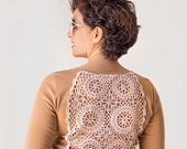 Ecru beige t-shirt with upcycled vintage crochet doily back - Size L