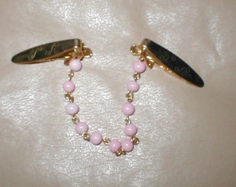 Vintage 1950's gold & pink pearl Sweater Guard Clip Chain
