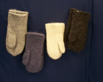 bioled wool mittens