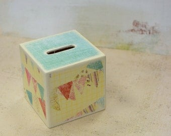 Pastel Bunting Wood Bank, Piggy Bank, Wooden Coin Bank, Kids Bank, Kids Room Decor, sweet Girls Bank, Money Box, Coin Box, pastels, buntings