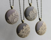 Set of 4 Bridesmaid Necklaces, Beige Gray Bridesmaid Jewelry, Bridesmaid Gift Set, Rustic Boho Wedding Lace Pendant Set of Four Necklaces