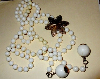 Early Sarah Coventry Milk Glass Lariat Style Long Necklace