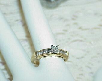 14k .75Ct Princess Diamond Solitaire Ring Size 7.25 Yellow Gold w/accent diamonds