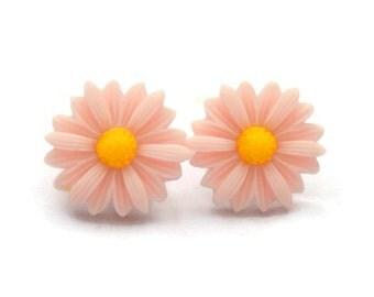Daisy Earrings - 20 mm Peachy Pink Flower Earrings