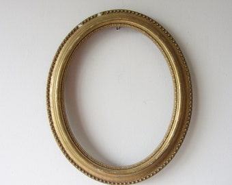 Vintage Oval Wooden Frame Gold