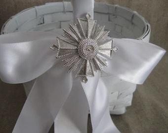 Flower Girl Basket in White with Keepsake Vtg Monet Pin / Favor Basket / Program Basket / White Basket for Wedding or Reception Decor