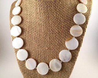 Simple Elegance Shell Necklace and Bracelet Set