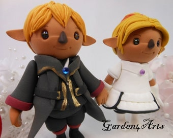 Custom wedding cake topper--Love couple with circle clear base--NEW