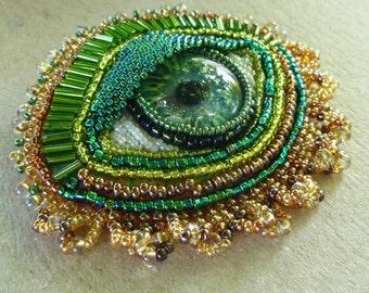 Green 'EYE' hand beaded brooch or pendant