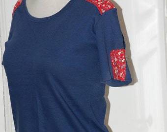 60s 70s Top, Tee, Navy, Patchwork Shoulders, Red, Blue, Size S/M