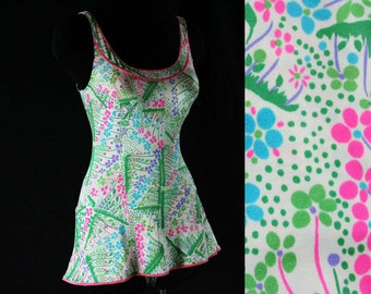 Size 6 to 10 Cute 1970s Swimsuit - Pink & Blue Flower Garden - Green Grass - Bathing Suit - Bust Support - Skirted - Modesty Panel - 43927