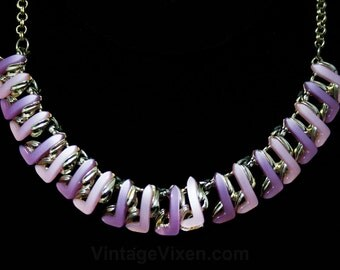 1950s Pastel Thermoset Centipede Necklace - Spring 50s Jewelry - Pink & Lavender Molded Plastic - Mid Century - Rockabilly - Purple - 44459