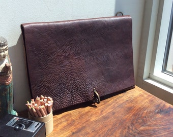Slim computer bag, Handmade leather messenger, Laptop bag with pockets, Leather computer bag, Crossbody messenger, Thin laptop bag