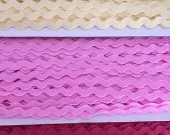 Medium ric rac- bright pink