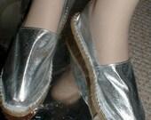 NIB Espadrilles FLATS Flat SILVER Shoes 5,6,7,8