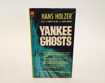 Vintage Paranormal Book Yankee Ghosts by Hans Holzer 1966 Paperback