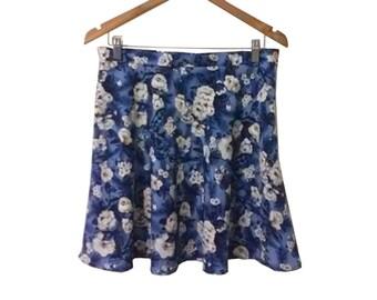 90s Grunge Blue White Rose Print Floral Mini Skater Skirt by All That Jazz