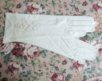 Vintage 1960s Leather Gloves Embroidered 2 Doves Italian Gloves 6.5