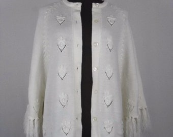 Vintage 60's Cardigan Sweater in Ivory Cream Knit Size L / Large