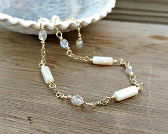Pearl Anklet, Gold Ankle Chain, Mother of Pearl, Dainty Ankle Bracelet, Summer Wedding Jewelry