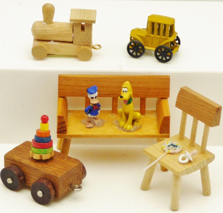 Miniature Dollhouse Disney Toys Scale Bench Chair Wagon