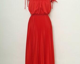 Vintage 70s Red Dress / Disco Dress / 70s Prom Dress / 1970s Dress / Vintage gown full length / Maxi dress / Red Dress / Studio 54 dress