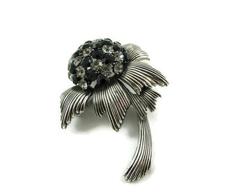 Pom Pom Flower Brooch with Swarovski Crystals