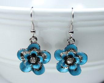 "Earrings - Flowers - Turquoise - Charming Style ""Damsel in Distress"""