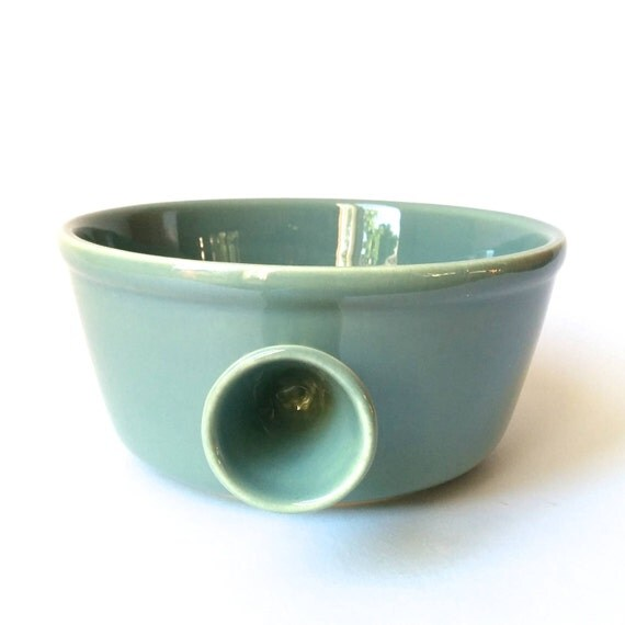 Diana pottery 1960s vintage sage green casserole or serving for Diana dishes