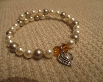 pretty heart and pearl bracelet