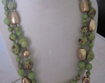 GREEN and GOLD speckled necklace