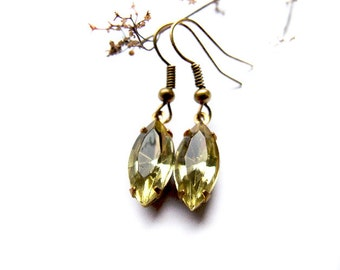 Jonquil Yellow Vintage Style Earrings, Retro Style Jonquil Glass Drop Earrings, Estate Style