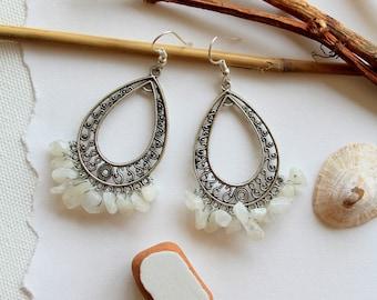 Earrings metal and moon stones