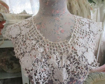 Antique Victorian Floral Large Schiffli Chemical Lace Collar W1