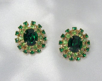 Vintage Earrings Round Green Rhinestones Gold Tone Prong Setting Clip On