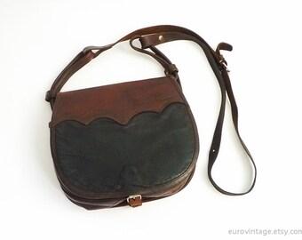VTG Distressed Brown Black Leather Saddle Bag / Shoulder Bag / Messenger / Cross-body