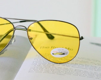 1980s AVIATOR Sunglasses. aviator. yellow. tint. retro. shades. sunglasses. womens. rad. boho. urban. hipster. indie. hippie. twiggy. unisex