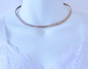 SALE 10 PERCENT OFF Vintage Goldtone Gold Tone Reversible Flat Herringbone Style Link Adjustable Traditional Minimalist Necklace