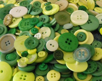 Grass Green Buttons, 100 Bulk Assorted Round Multi Size Crafting Sewing Buttons