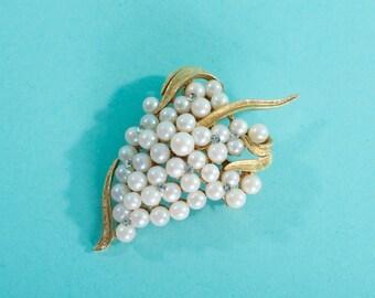 Vintage 1960s Faux Pearl Brooch - Rhinestone Golden Leaf - 1950s Bridal Fashions