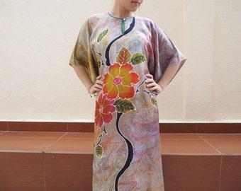 Sale 20% off Classic Floral Hand draw Batik Kaftan
