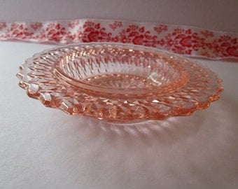 Vintage, pink, 'Depression Glass', round bowl with scalloped edge!