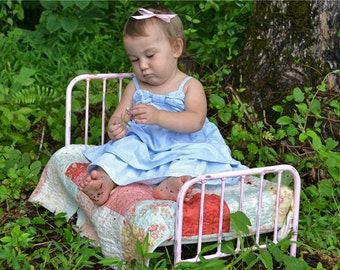 Newborn Photo Prop Bed Retro Style Photography Prop