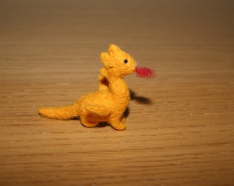 Felted dragon, dragon miniature, tiny dragon