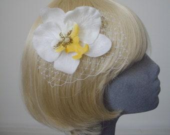 White Flower Hair Comb, White-Yellow Orchid Hair Comb, White Hair Flower, White Hair Orchid, White Hair Accessory, White Orchid Headpiece