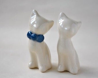 Cat cake topper, wedding cake topper, navy blue and ivory - white wedding, ceramic cat cake topper wedding, wedding keepsake
