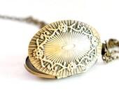Flower Glory - Vintage Style Antiqued Brass Oval Shaped Locket Necklace - LN10