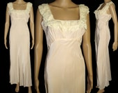 Vintage 1930s Gown// Bias Cut//30s Gown//1930s Nightgown// Ruched// Lace Detail//